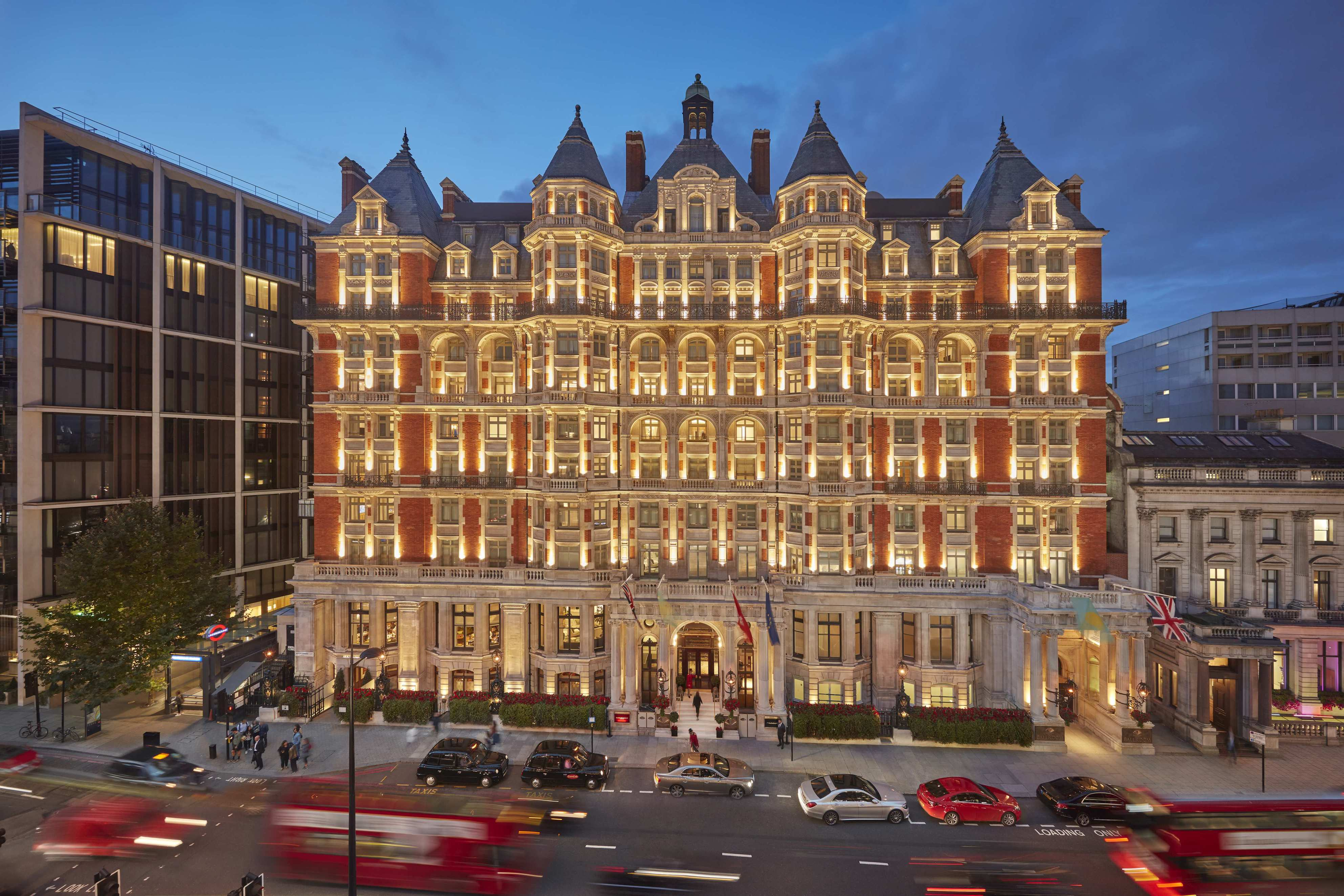 mandarin oriental london unveils first phase of significant renovation. Black Bedroom Furniture Sets. Home Design Ideas